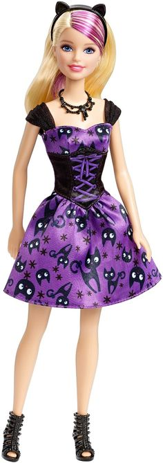 2015 Halloween Barbie is here, and isn't she a cutie? It's all about black cats this year, definitely a lovely addition to the Halloween Barbie 'family'.