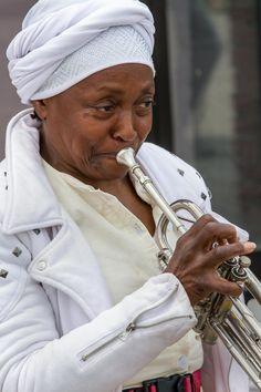 Lady trumpeter by Steve Pepple on 500px