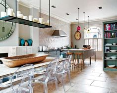 Simply elegant Victorian flat in Notting Hill