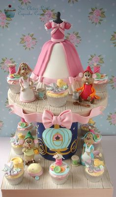 Cinderella cake and cupcake tower - For all your cake decorating supplies… Pretty Cakes, Cute Cakes, Beautiful Cakes, Amazing Cakes, Crazy Cakes, Fondant Cakes, Cupcake Cakes, Cupcake Art, Cupcake Ideas