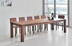 Extra großer Esstisch aus Massivholz von Vitamin Design