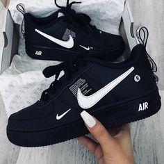 Cute Sneakers, Sneakers Mode, Sneakers Fashion, Shoes Sneakers, Nike Fashion, Shoes Jordans, Shoes Men, Cheap Fashion, Fashion Men