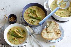 Das Rezept für Gemüse-Curry mit Erdnuss-Soße mit allen nötigen Zutaten und der einfachsten Zubereitung - gesund kochen mit FIT FOR FUN
