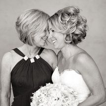 6 Thoughtful Ways to Honor Mom at Your Wedding