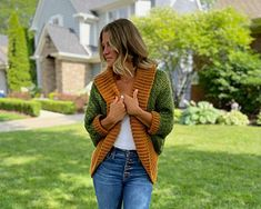 Fall is hands-down my favourite time of year, I love hot apple ciders, cozy sweaters, and visits to the pumpkin patch! Combining all these cozy Fall comforts into one design, the richly textured body and oversized collar of the Hayride crochet shrug make this the perfect Autumn layering piece to keep you warm and cozy this season! Crochet Shrug Pattern Free, Basic Crochet Stitches, Afghan Crochet Patterns, Free Crochet, Free Pattern, Crochet Cardigan, Shrug Sweater, Crochet Sweaters, Cozy Sweaters
