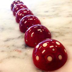 Bonbons. Photo by richiepratadaja on instagram.