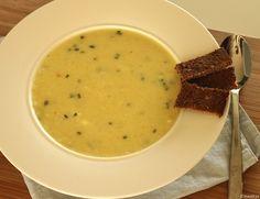 Weer een lekker soeprecept van Maaike vanMiCook. Deze keer is het een recept van bloemkoolsoep. Een romig soepje dankzij de toevoeging van Philadelphia. Binnen 30 minuten heb je een stevige soep op tafel staan! Tijd: 30 min. Recept voor 4 personen Benodigdheden: 1 kleine bloemkool, in roosjes 1 grote aardappel geschild en in blokjes 1 …