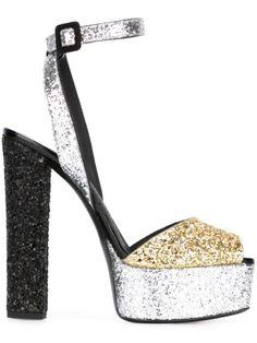 """Achetez Giuseppe Zanotti Design sandales pailletées """"Betty""""  en Boutique Mantovani from the world's best independent boutiques at farfetch.com. Découvrez 400 boutiques à la même adresse."""