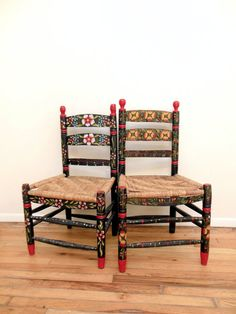 Merveilleux Mexican Folk Art Chairs Hand Painted Floral Impossibly Charming