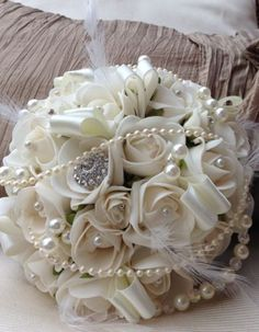 IVORY ROSES VINTAGE WEDDING POSY PEARLS DIAMANTE BROOCH FEATHERS BRIDE BOUQUET