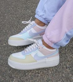 Dr Shoes, Cute Nike Shoes, Hype Shoes, Pink Nike Shoes, Shoes Cool, Cute Nikes, Purple Shoes, Outfit With Nike Shoes, Nike Summer Shoes