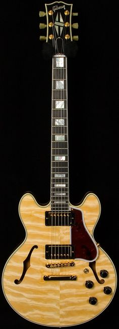 gibson custom shop- cs-356. quilted maple.