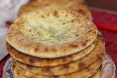 Na gastronomia do mundo, existe toda uma série de pães que se assam há muito tempo na frigideira. É ... - Receitas sem Fronteiras