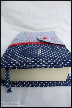 """Capa de livros """"Red Flowers"""""""
