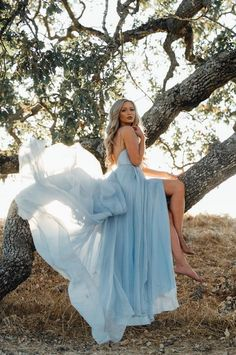 Ice blue wedding dress by Leanne Marshall // Photo by Andrew Lowry Backless Prom Dresses, Blue Wedding Dresses, Blue Weddings, Winter Weddings, Burgundy Wedding, Wedding Colors, Maxi Dresses, Dress Wedding, Casual Dresses