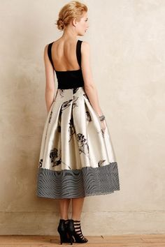 Gardenveil Dress - Anthropologie I LOVE it! Beautiful Outfits, Cute Outfits, Estilo Fashion, Fashion Beauty, Womens Fashion, Mode Style, Dress Skirt, Diy Dress, Pleated Skirt