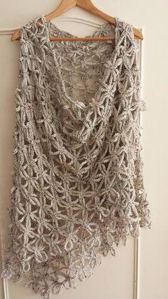 Learn How to Crochet Flower of Life Chain Shawl - Star Stitch DIY Tutorial Poncho Au Crochet, Pull Crochet, Mode Crochet, Crochet Shawls And Wraps, Crochet Scarves, Crochet Clothes, Crochet Stitches, Knit Crochet, Crochet Hats