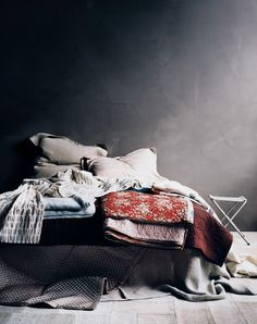 Textiles: photo by Sharyn Cairns #textiles #blankets
