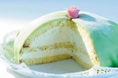 Prinzessinnentorte, Sardegna-Torte: Dieses süsse Meisterwerk aus luftigem Biskuit, süsser Creme und feinem Marzipan-Überzug kennt viele Namen und schmeckt immer gut.