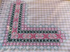 Risultati immagini per bordado suizo paso a paso Cross Stitching, Cross Stitch Embroidery, Chicken Scratch Embroidery, Gingham Fabric, Applique Embroidery Designs, Bargello, Sewing Hacks, Sewing Tips, Needlework