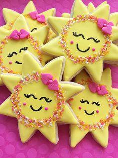 You are my sunshine cookies Girl Birthday Themes, Girl First Birthday, Baby Birthday, First Birthday Parties, First Birthdays, Birthday Ideas, Sunshine Cupcakes, Sunshine Cookies, Sunshine Birthday Parties