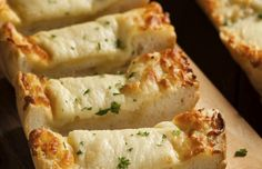 Goddelijk mozarella-knoflookbrood