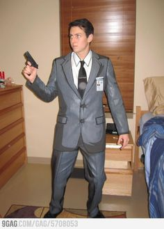 Genius! Painted to look like the animation! Sterling Archer Cosplay