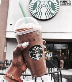 Imagem de breakfast lunch dinner, paradise heaven, and starbucks coffee tumblr