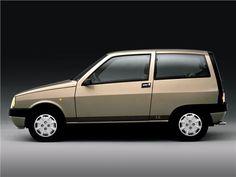 https://i.pinimg.com/236x/a6/cc/70/a6cc703be2331ededdd5cbafdb5894c9--mania-mini-car.jpg