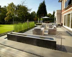 Minimal Garden Design with Clean Lines - http://mostbeautifulgardens.com/minimal-garden-design-clean-lines/