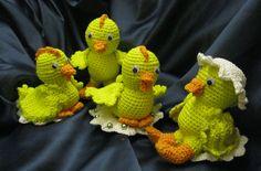 Kyllinger i forskellige størrelser ( nr. 8) Mønster kan købes ved henvendelse til majasblomster@gmail.com Dinosaur Stuffed Animal, Toys, Crochet, Pattern, Animals, Amigurumi, Tutorials, Activity Toys, Animales