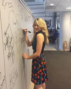 Chloe at the AOL build HQ today in NYC! She will also be visiting Teen Vogue & the Daily Mail offices. #dancemoms #dancemoms1 #spoilers #dmos_lukasiak