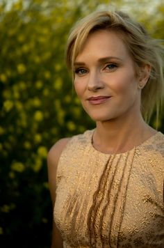 Nicholle Tom, Light Spring, Hollywood Actresses, Bra Sizes, Pear Shaped, Fashion Beauty, Toms, Beautiful Women, Princess