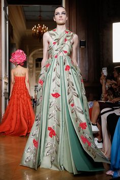 Artistic fashion designs at Valentino Couture Fall Winter 2018 PFW.