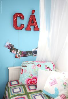 letter_sign_11 Super Cola, Bed Pillows, Pillow Cases, Sign, Organization, Lettering, Home, Decor, Hide Wires