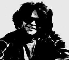 """Carl McCunn, un fotógrafo de naturaleza, fue depositado por una avioneta en un remoto lago de Alaska, pero olvidó especificar le fecha de recogida. Cuando su situación ya era desesperada, amigos preocupados persuadieron a los Alaska State Troopers a enviar un avión. En su excitación, McCunn hizo la señal de """"TODO OK, NO ESPEREN"""", tal como escribió en su diario. Tras ocho meses, ya sin provisiones, McCunn se suicidó en su carpa."""
