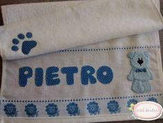 Toalinha bordada patchcolagem ursinho menino Pietro