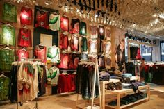 Desigual Store at 5th Avenue by INDESIGN GROUP