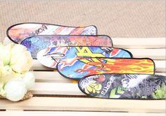 Professional Type Cartoon Wheels Skid Pad Maple Wood Finger Skateboard Alloy Stent Bearing Wheel Fingerboard Novelty Toy HT3849