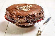 Cheesecake σε 3 σοκολατένιες στρώσειs από την Αργυρώ Μπαρμπαρίγου! Oreo Cheesecake, Food Categories, Dessert Recipes, Desserts, Greek Recipes, Cheesecakes, Nutella, Cravings, Food And Drink