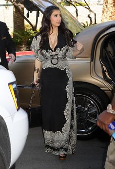 Kim Kardashian - Kim Kardashian And Reggie Bush Arriving At The MGM Grand