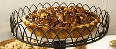 Tarta de frutos secos con salsa de caramelo - Virginia Sar