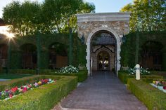 The entrance of Villa Siena including the greenery during the Spring time here in Arizona | villasiena.cc