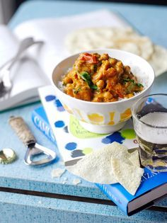 Sweet potato, chickpea & spinach curry from Jamie Oliver.just wondering if I could substitute potato for the sweet potato? Curry Recipes, Vegetable Recipes, Vegetarian Recipes, Cooking Recipes, Healthy Recipes, Dishes Recipes, Vegetarian Curry, Batch Cooking, Recipies