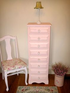 Beautiful vintage painted furniture  foreverpinkcottagechic.com   want to do my Mom's 70 yr old br suite like this