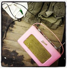 Roberts retro shabby chich Radio in pink