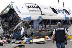 Accident grav în Franța, soldat cu 49 de victime. - http://www.facebook.com/1409196359409989/posts/1485131791816445