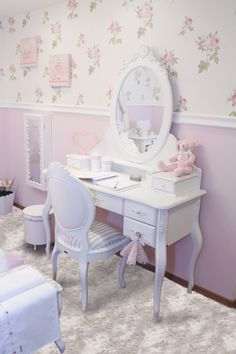 Luxury princess bedroom Go to CIRCUNET and find the most incredible princess Girl Bedroom Designs, Girls Bedroom, Princess Bedrooms, Bedroom Layouts, Kids Room Design, Contemporary Bedroom, Luxurious Bedrooms, Home Decor Bedroom, Girl Room