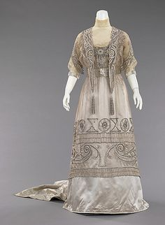 Evening dress, ca. 1908. Beautiful beading and ethereal detail.