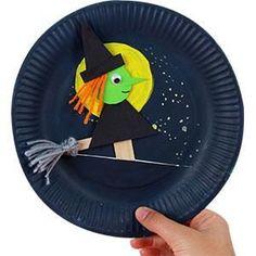 Arts And Crafts Kindergarten Refferal: 3833264987 Theme Halloween, Halloween Arts And Crafts, Halloween Activities For Kids, Halloween Trees, Diy Halloween Decorations, Fall Halloween, Kindergarten Crafts, Classroom Crafts, Preschool Crafts